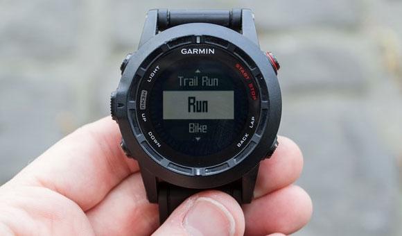 бег является одной из фундаментальных функций навигатора Garmin fenix 2
