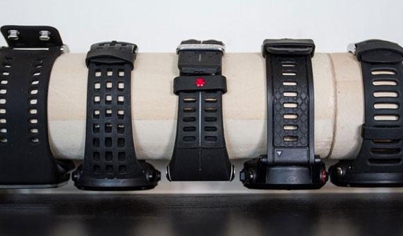 Слева направо у нас представлены следующие модели: Adidas, Smart Run GPS, Suunto Ambit 2, Polar V800, Garmin fenix 2, Suunto Ambit 2R