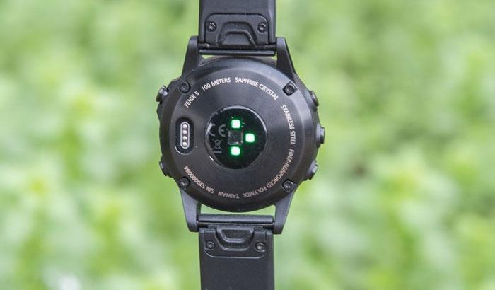 Fenix 5 - оптический датчик пульса