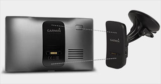 Garmin DriveLuxe с креплением